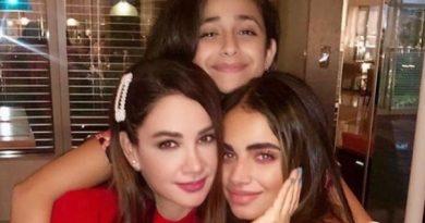 ديانا حداد تشعل إنستغرام.. من هي الأم ومن هي البنت؟