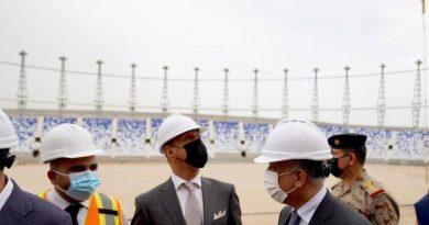الكاظمي يزور مشروع ملعب الميناء ويوجه بمضاعفة الجهود لانجازه قبل خليجي 25