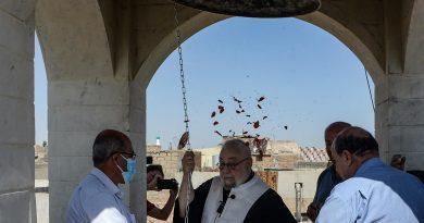 وسط زغاريد المصلين.. أجراس كنيسة مار توما تدق في الموصل